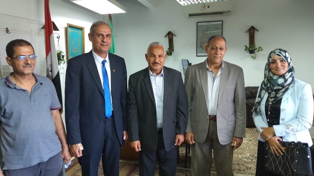 فريق منظومة الشكاوى مع السكرتير العام لمحافظة القليوبية