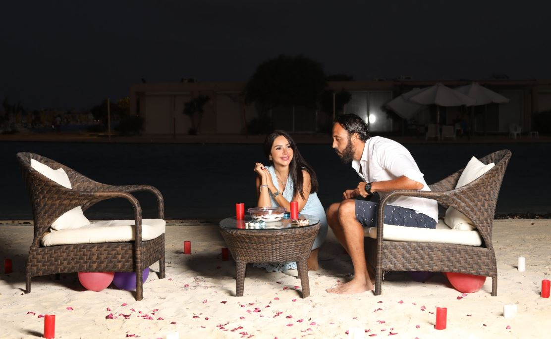 الفنان يوسف الشريف يحتفل بعيد ميلاده مع زوجته إنجي علاء
