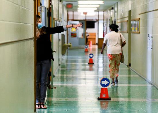 2020-09-15T090226Z_1112019_RC2XYI9TRRWX_RTRMADP_3_HEALTH-CORONAVIRUS-CANADA-SCHOOLS