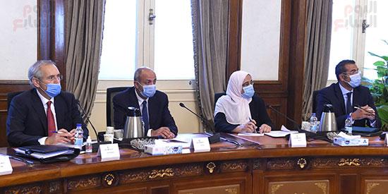 جانب من الاجتماع (4)