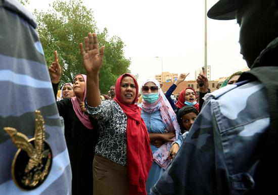 2020-09-15T121038Z_819410381_RC20ZI9XJB6O_RTRMADP_3_SUDAN-POLITICS-BASHIR