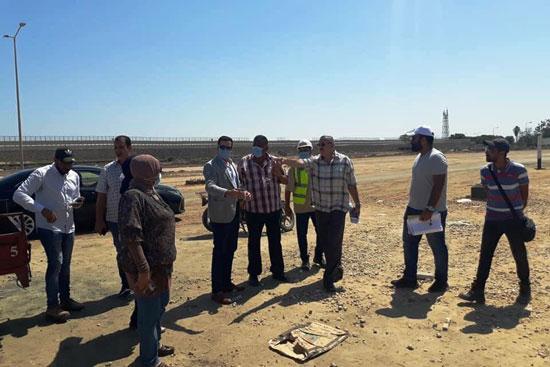 نائب محافظ بورسعيد يتابع أعمال توسعة محيط منفذ النصر الجمركى (3)