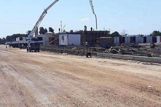 نائب محافظ بورسعيد يتابع أعمال توسعة محيط منفذ النصر الجمركى (8)
