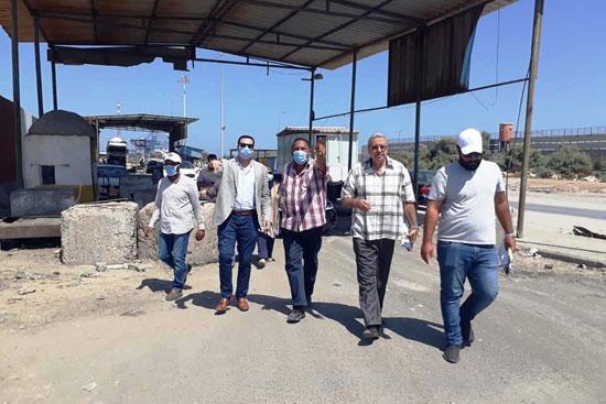 نائب محافظ بورسعيد يتابع أعمال توسعة محيط منفذ النصر الجمركى (6)