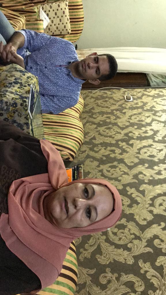 الشاب محمد احمد عبد المجيد ووالدته (2)