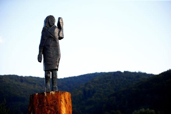 تمثال ميلانيا