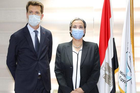 شراكة استراتيجية بين وزارة البيئة وڤودافون مصر (2)