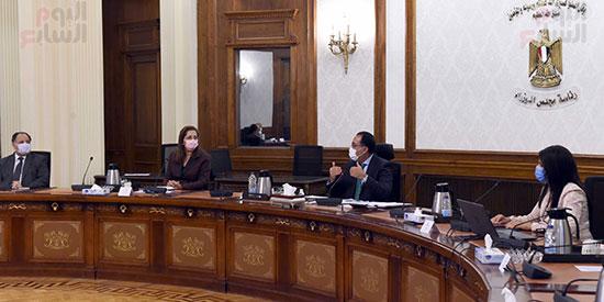 رئيس الوزراء يستعرض ملامح برنامج الإصلاح الهيكلى (2)