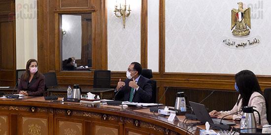رئيس الوزراء يستعرض ملامح برنامج الإصلاح الهيكلى (1)