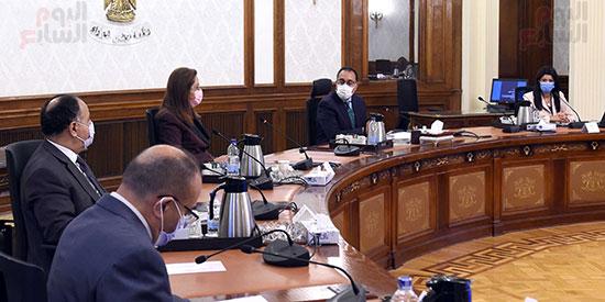 رئيس الوزراء يستعرض ملامح برنامج الإصلاح الهيكلى (6)