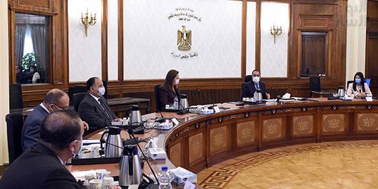 رئيس الوزراء يستعرض ملامح برنامج الإصلاح الهيكلى (3)
