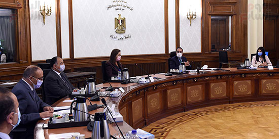 رئيس الوزراء يستعرض ملامح برنامج الإصلاح الهيكلى (4)