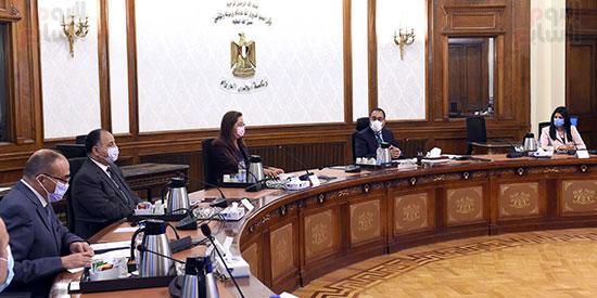 رئيس الوزراء يستعرض ملامح برنامج الإصلاح الهيكلى (5)