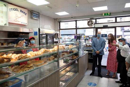 الأمير وليام وكيت ميدلتون في مخبز