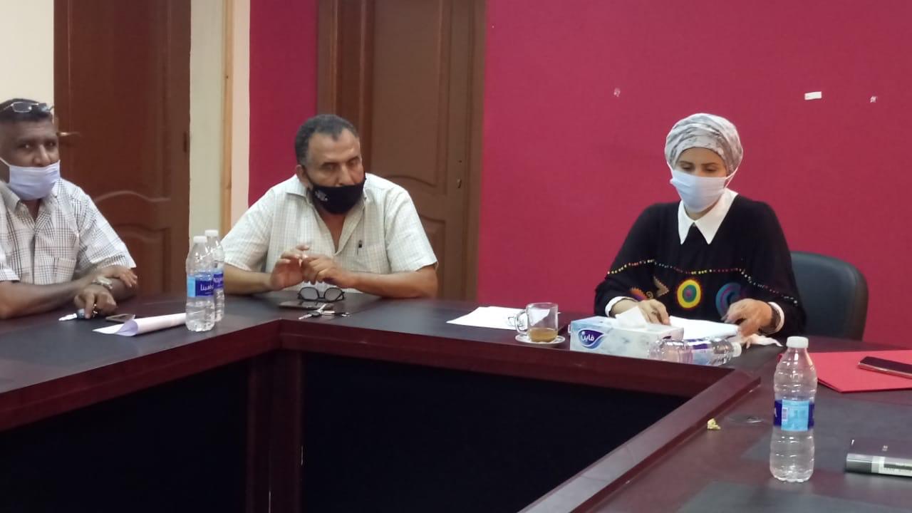محافظ بورسعيد مع مسئولى الاوقاف (2)