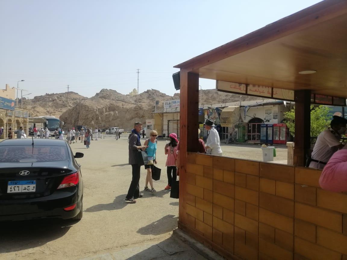 الفوج السياحى فى معبد فيلة (10)