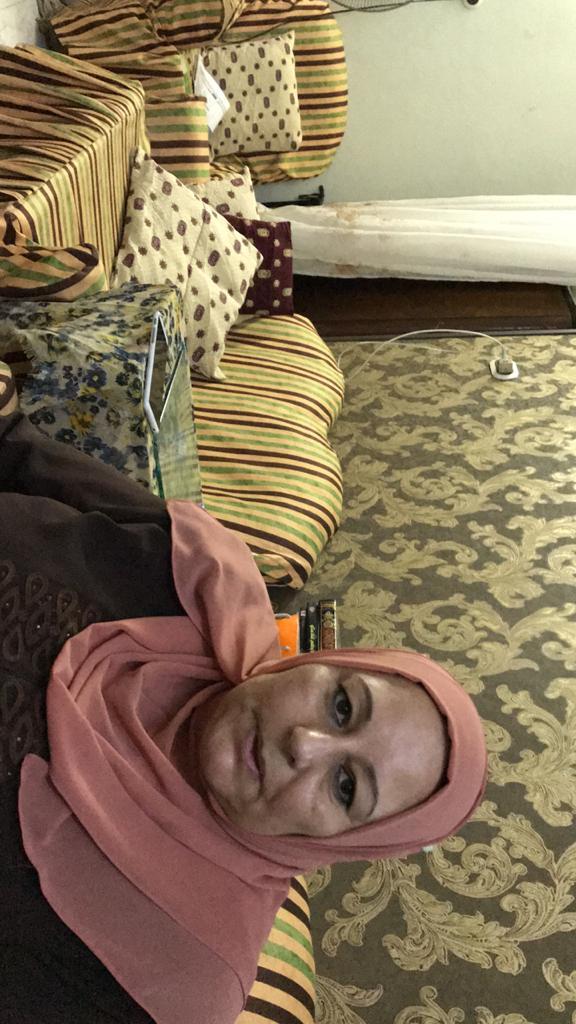 والدة الشاب محمد احمد عبد المجيد