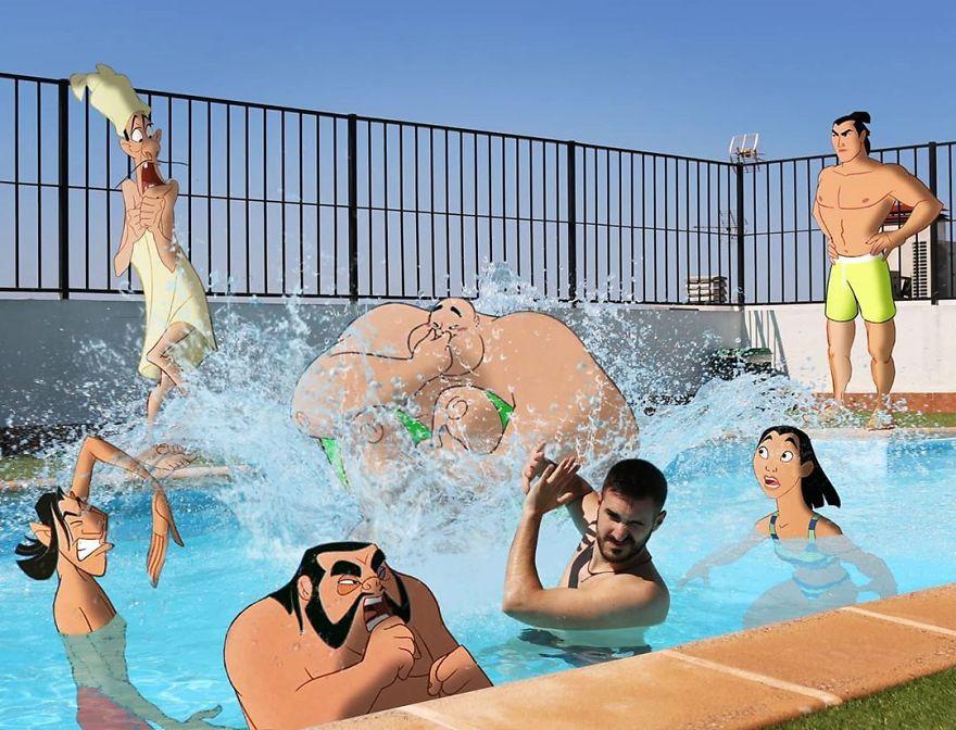 فى أحد حمامات السباحة