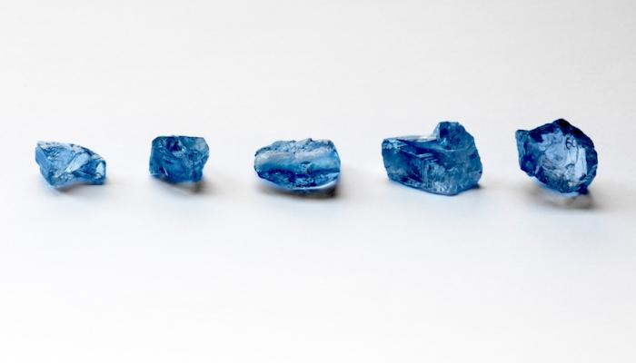 ماسات زرقاء