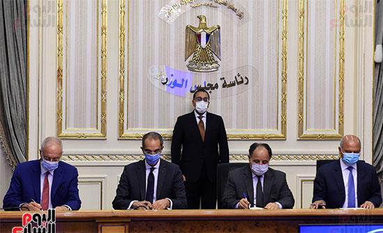 توقيع عقد تمويل إنشاء محطة متعددة الأغراض بميناء الإسكندرية (7)