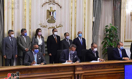 توقيع عقد تمويل إنشاء محطة متعددة الأغراض بميناء الإسكندرية (3)