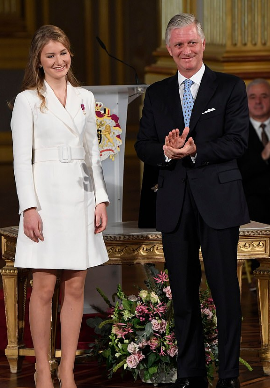 الأميرة اليزابيث ووالدها الأمير فيليب