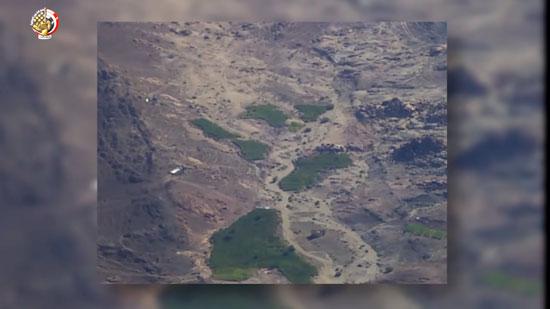 القوات المسلحة المصرية تلتقط صورا لمناطق الزراعات المخدرة بجنوب سيناء (4)