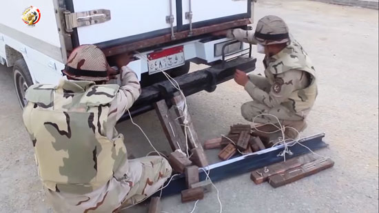 القوات المسلحة المصرية تلتقط صورا لمناطق الزراعات المخدرة بجنوب سيناء (5)