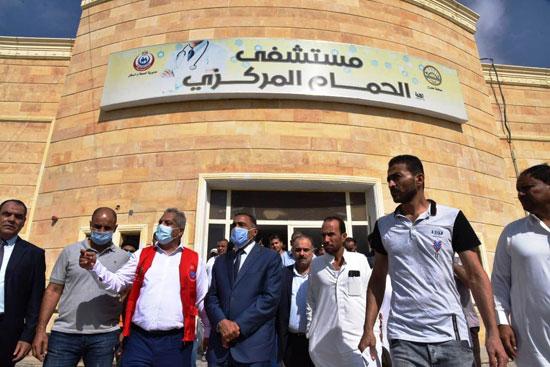 محافظ مطروح يفتتح المسجد الكبير بمدينة الحمام ومركز شباب اليرموك (3)