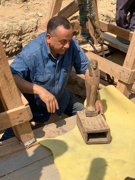 الآثار تعلن اكتشاف 14 تابوتا جديدا فى منطقة سقارة (4)