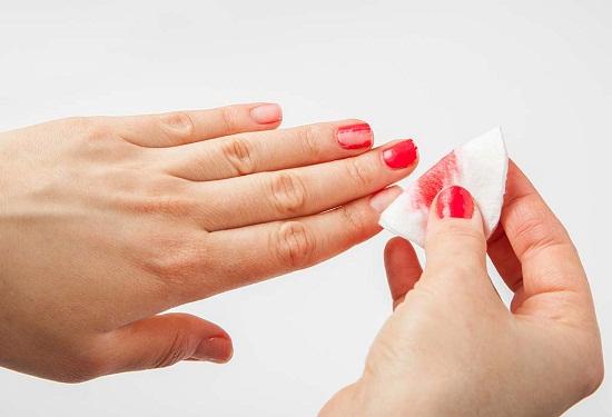 وصفات طبيعية لإزالة طلاء الأظافر بخطوات بسيطة