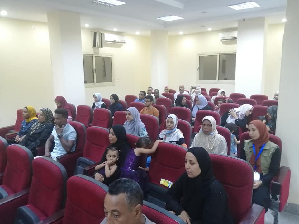 رئاسة مركز ومدينة الطود تكرم اوائل طلبة الثانوية العامة  (4)