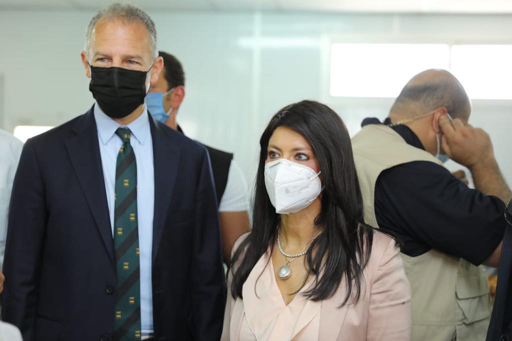 جانب من جولة وزيرة التعاون وسفير واشنطن بالقاهرة (9)