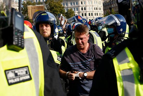 اعتقال في مظاهرات بريطانيا