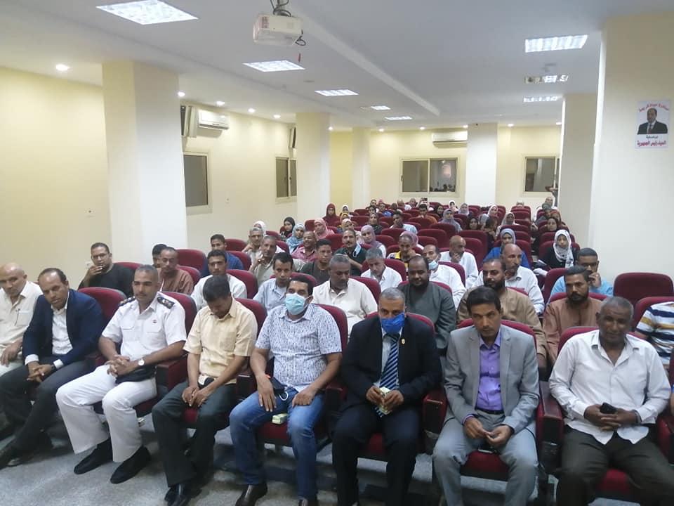 رئاسة مركز ومدينة الطود تكرم اوائل طلبة الثانوية العامة  (5)
