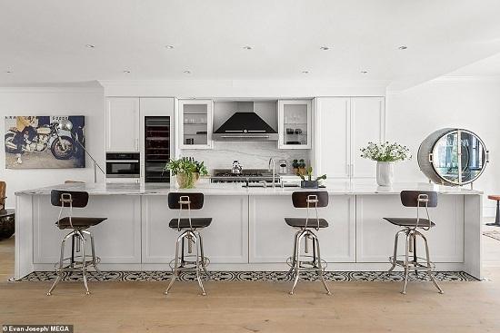 صورة أخرى للمطبخ