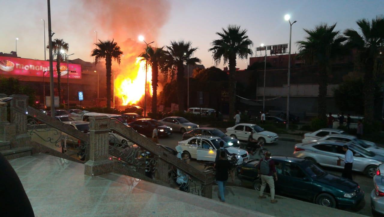 اشتعال النيران قرب شارع الهرم