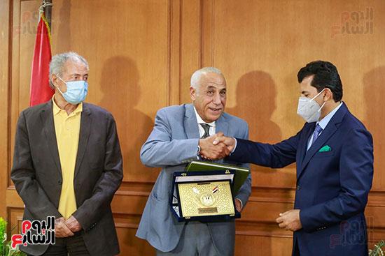 وزير الرياضه (76)