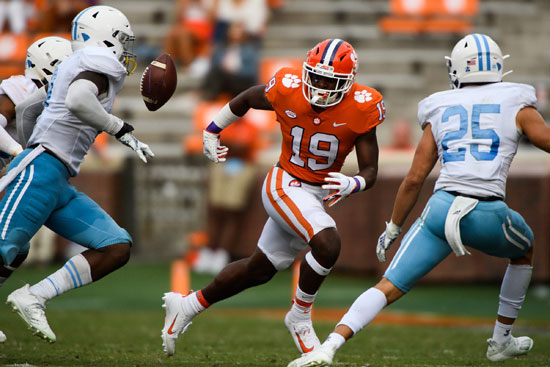 2020-09-19T234746Z_1661051852_NOCID_RTRMADP_3_NCAA-FOOTBALL-CITADEL-AT-CLEMSON