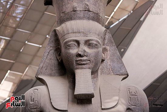 وجه تمثال الملك رمسيس الثاني