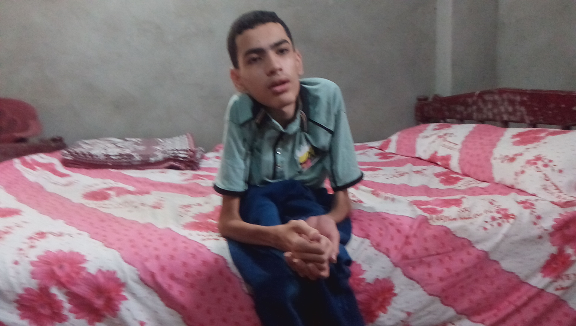 عمر مجدي طالب بكلية الصيدلة والملقب بــفلتة الكيمياء