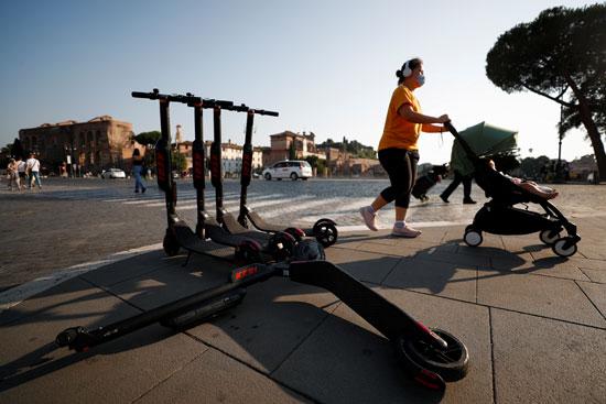 روما تعزز التنقل الكهربائي وسط قواعد متساهلة (2)