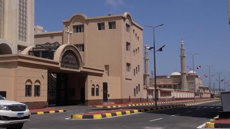 مسجد وكنيسة (9)