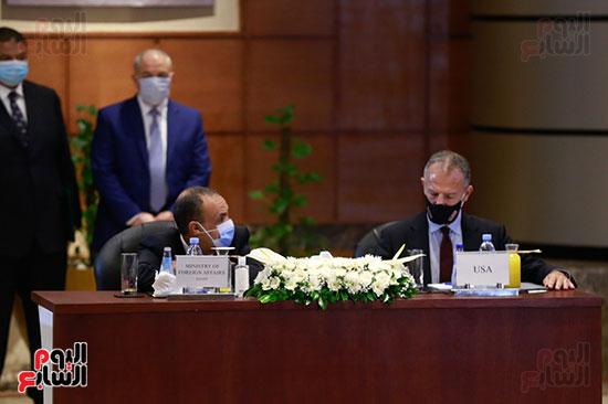 مؤتمر وزارة البترول (18)