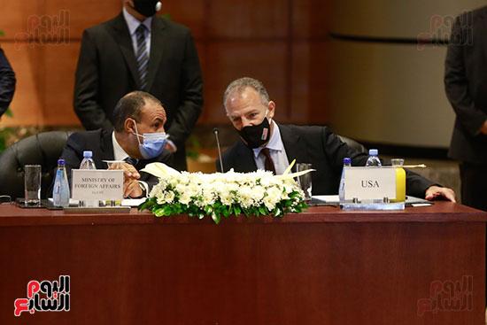 مؤتمر وزارة البترول (1)