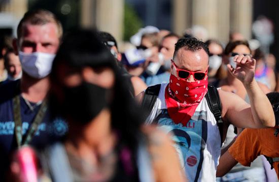 2020-09-21T132727Z_699370332_RC213J9HAWBU_RTRMADP_3_GERMANY-PROTEST