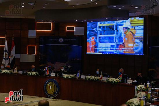 مؤتمر وزارة البترول (21)
