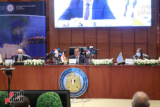 مؤتمر وزارة البترول (12)