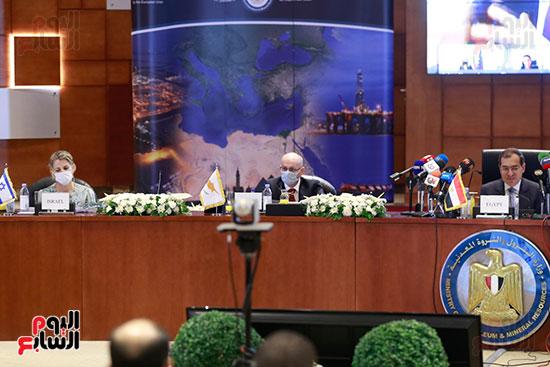 مؤتمر وزارة البترول (11)