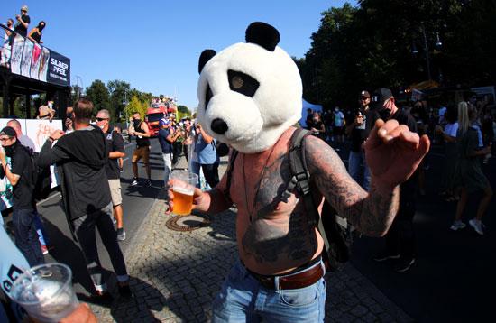 2020-09-21T133505Z_1699528440_RC213J9RYZP4_RTRMADP_3_GERMANY-PROTEST